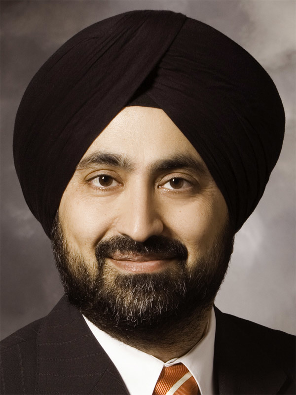 CEO Kelly  Ahuja at Versa Networks  Portrait
